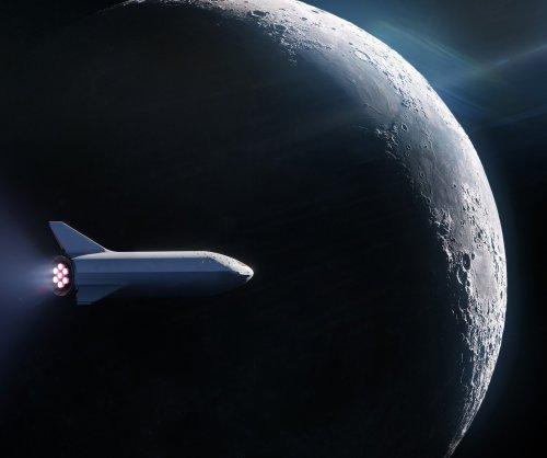 Elon Musk introduces Japanese billionaire Yusaku Maezawa as first BFR customer