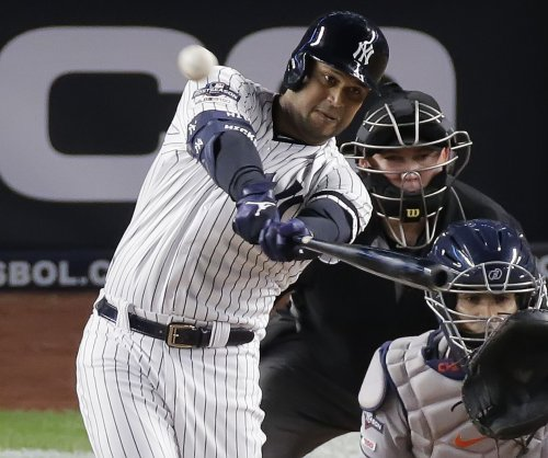 Yankees' Aaron Hicks sits out Monday in wake of Minnesota shooting
