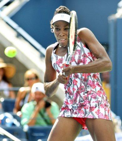 Venus Williams through to semifinals in Tokyo