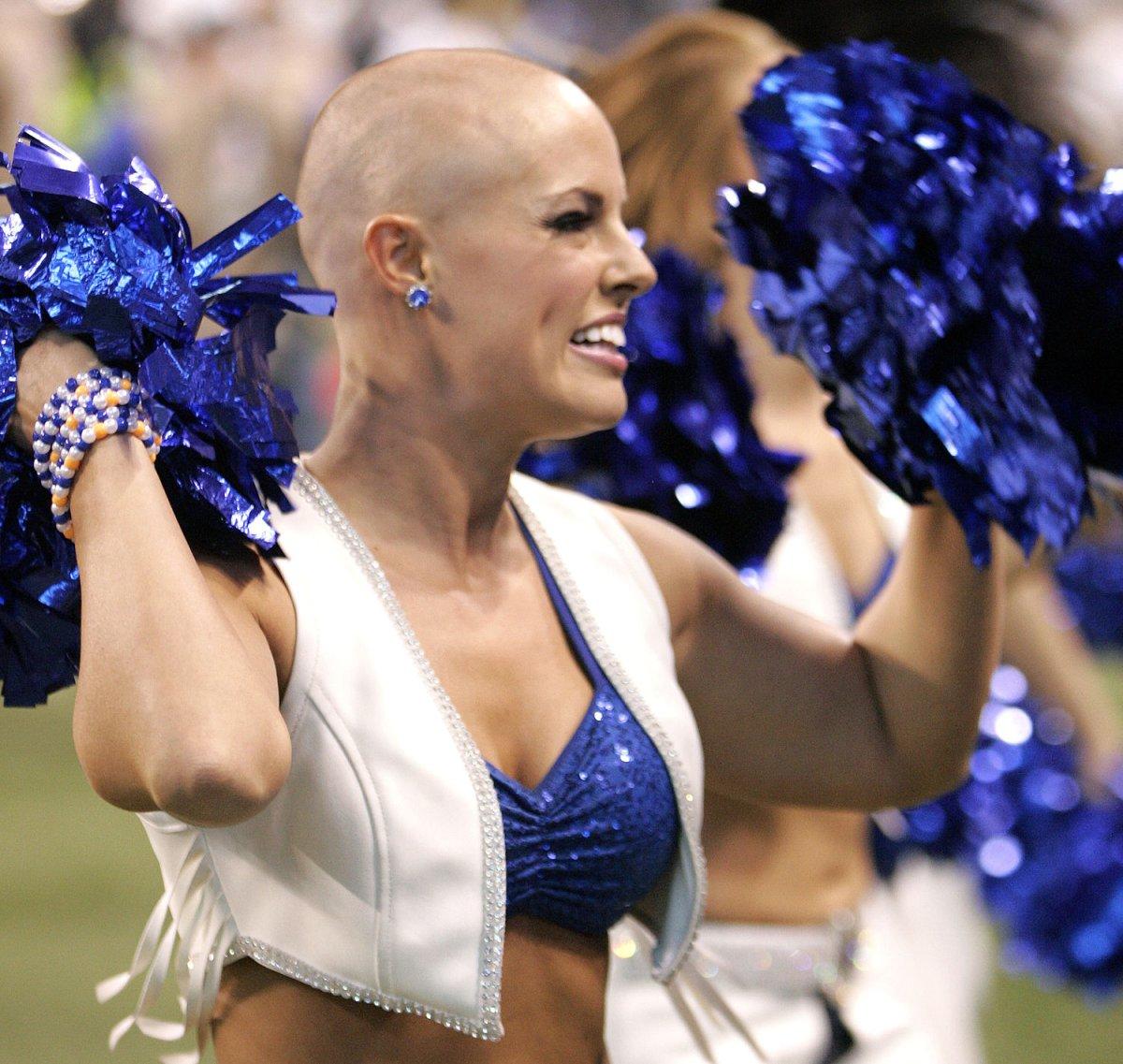 Cheerleader rasiert — bild 7