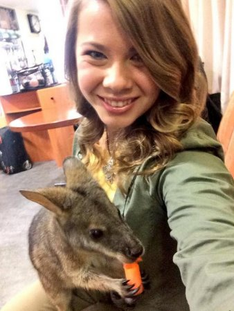 'Crocodile Hunter's daughter Bindi Irwin criticized for her stance on modesty