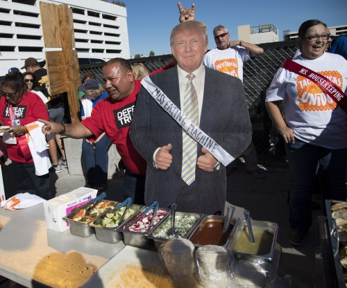 Union builds 'wall of taco trucks' around Trump Hotel Las Vegas