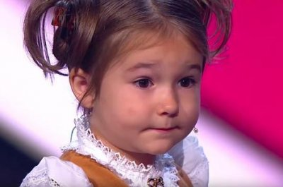 4-year old Russian girl speaks 7 languages