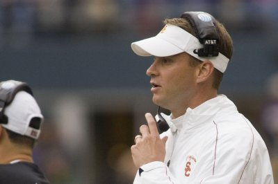Alabama's Lane Kiffin reportedly pursued by Florida Atlantic