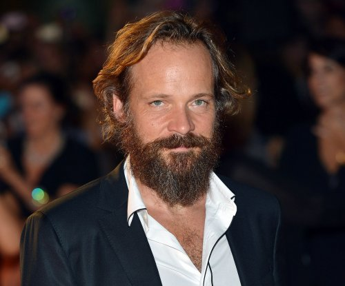 Peter Sarsgaard to star in new Hulu series 'The Looming Tower'