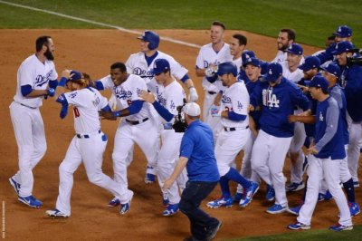 3 straight homers, walk-off single in 9th lifts Los Angeles Dodgers past Philadelphia