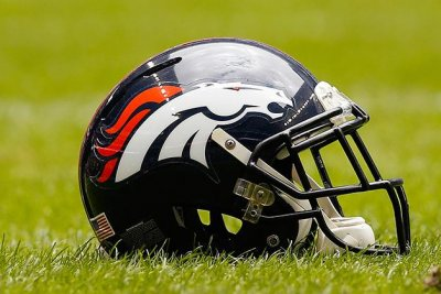 Broncos C Paradis signs tender