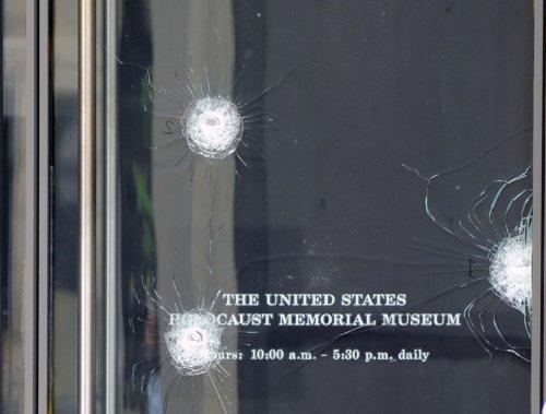 Holocaust museum shooting suspect dies