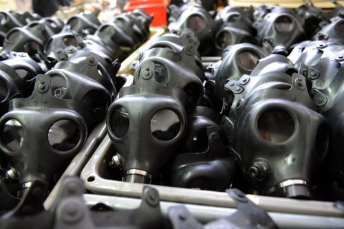 Israel may halt gas mask distribution