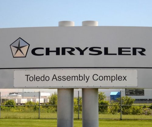 UAW threatens walkout on Fiat Chrysler over expiring labor deal