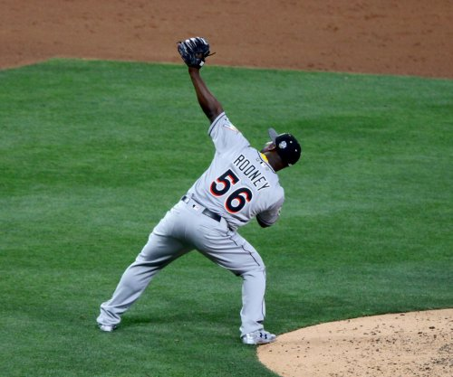 Arizona Diamondbacks sign RHP Fernando Rodney to one-year deal