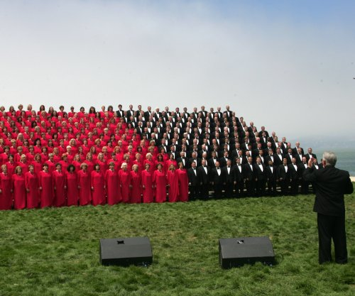 Soprano quits Mormon Tabernacle Choir, won't sing at inauguration