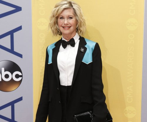 Olivia Newton-John, Fabio, Clay Aiken to appear in 'Sharknado 5: Global Swarming'