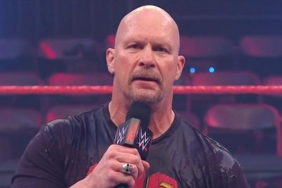 WWE Raw: Edge challenges Randy Orton, Stone Cold returns