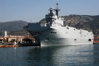 France, Russia to build 4 helicopter ships