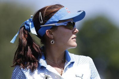 Lexi Thompson fires 8-under 64 to take lead in Thailand