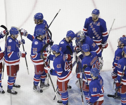 New York Rangers get late break to even series with Montreal Canadiens