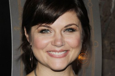 Tiffani Thiessen lands mom role in Netflix's 'Alexa & Katie' sitcom
