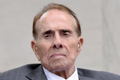 'True American hero' Bob Dole receives Congressional Gold Medal
