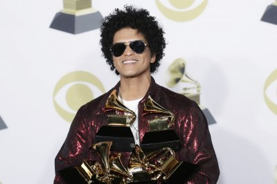 Bruno Mars wins best album, song at 2018 Grammy Awards