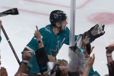 San Jose Sharks' Logan Couture erupts for two goals in two minutes against Blues