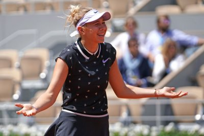 French Open: U.S. teen Amanda Anisimova shocks No. 3 Simona Halep