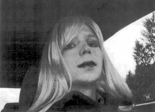 Chelsea Manning accuses U.S. of lying about Iraq, controlling press