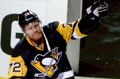 Patric Hornqvist gives Pittsburgh Penguins command vs. Washington Capitals