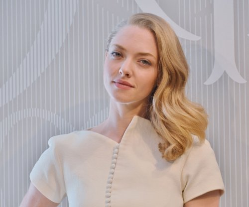 Amanda Seyfried details living with OCD: 'Thought I had a tumor in my brain'