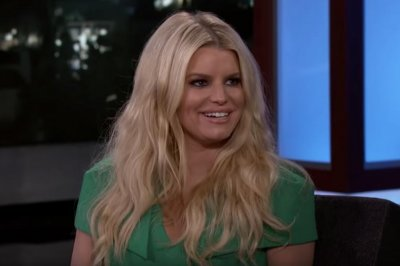 Jessica Simpson says Justin Timberlake kissed her for a bet