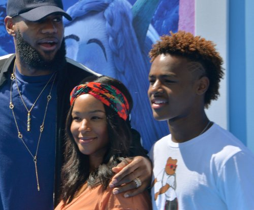 Bronny James undergoes surgery for torn meniscus