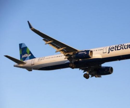 Two arrested, six injured during pepper spray fight on JetBlue flight