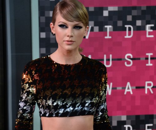 Taylor Swift to release 'Out of the Woods' music video on New Year's Eve