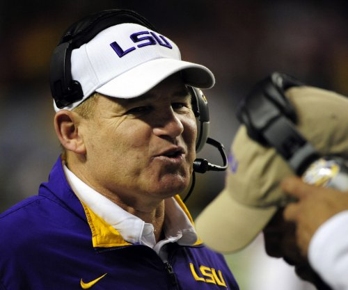 Axed by LSU Tigers, Les Miles plans to continue coaching
