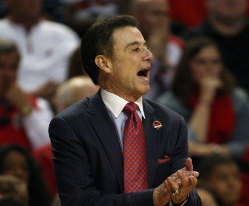 No. 10 Louisville knocks off Wichita State