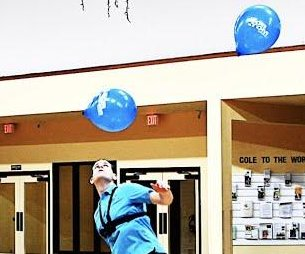 Idaho man juggles balloons with his head for over 3 minutes