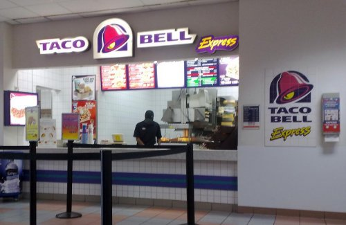 Two sides to every taco: Taco Bell employee who allegedly shot BB gun defended by his mom