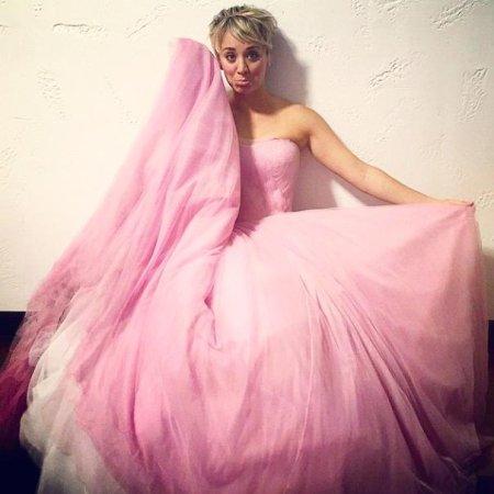 Kaley Cuoco Sweeting reuses wedding dress in music video