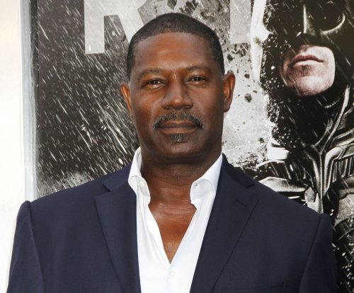 '24' alum Dennis Haysbert to co-star in Syfy pilot 'Incorporated'
