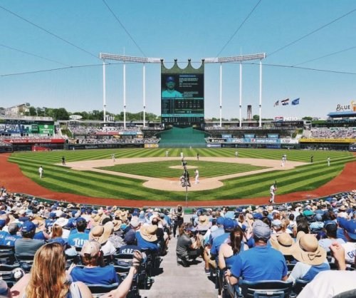 Home runs power Kansas City Royals over Baltimore Orioles