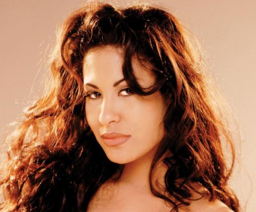 Hollywood Walk of Fame star to be dedicated to the late Selena Quintanilla
