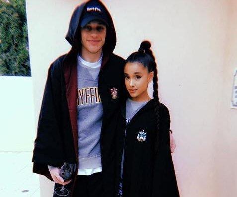 Ariana Grande, Pete Davidson go Instagram official