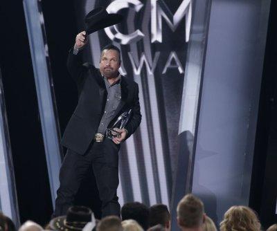 Blake Shelton, Ashley McBryde are early CMA Awards winners