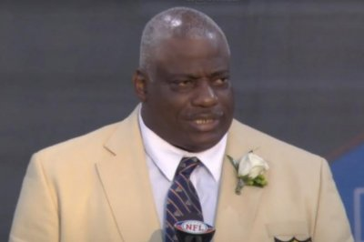 Pro Football Hall of Famer Fred Dean dies at 68