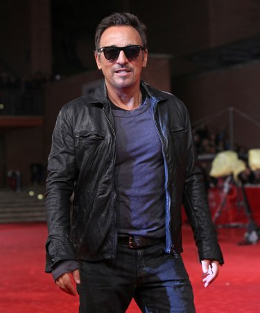 Springsteen plays benefit for Boston College