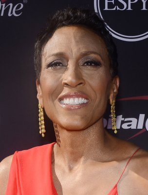 Robin Roberts says she is a lesbian; has a longtime partner
