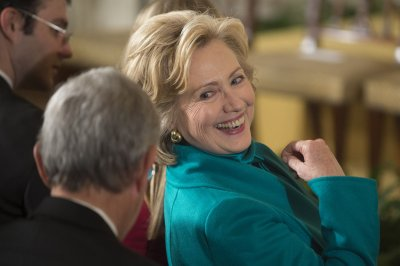 Rove: Hillary 'old and stale'