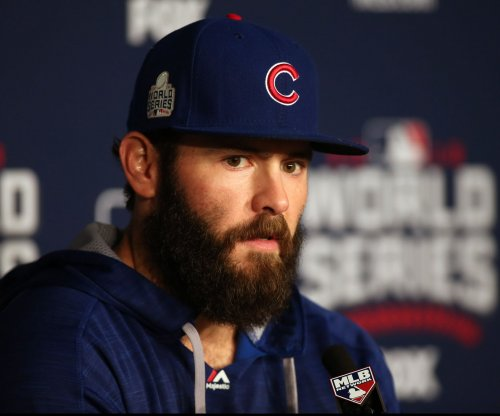Watch: Jake Arrieta takes Zack Greinke deep with 465-foot home run