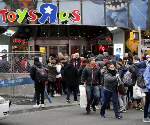 Toys 'R' Us considers bankruptcy as vendors tighten screws
