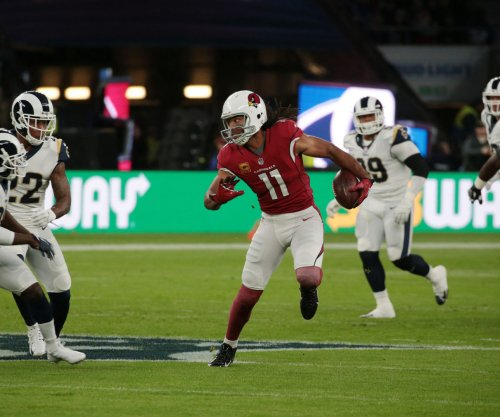 Arizona Cardinals: Larry Fitzgerald signs one-year extension